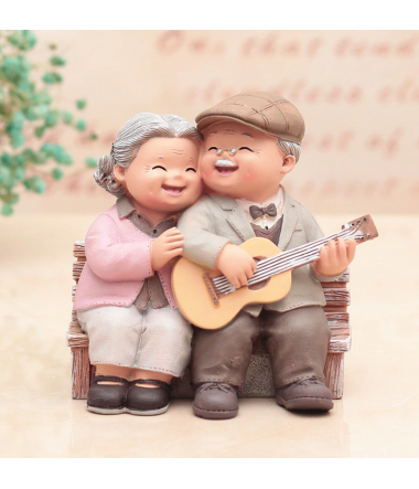 Figur: Ældre par med guitar